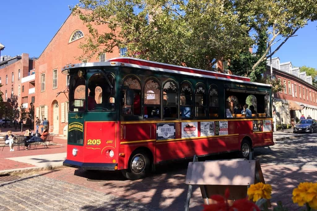 image of Salem old town trolley