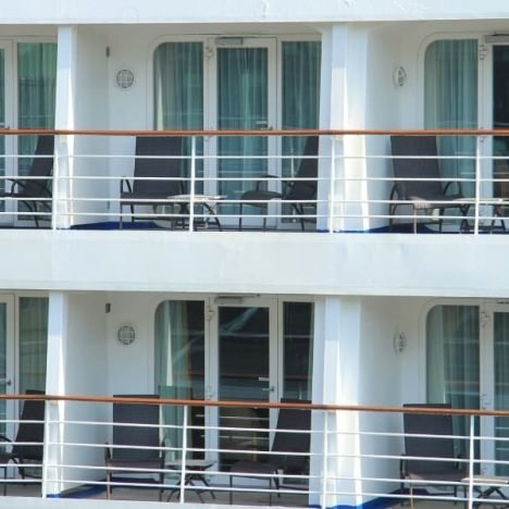 What is the Cheapest Month to Cruise?